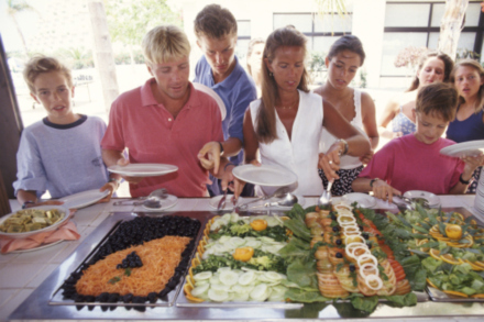 Follow these tips to avoid overeating at the buffet on holiday