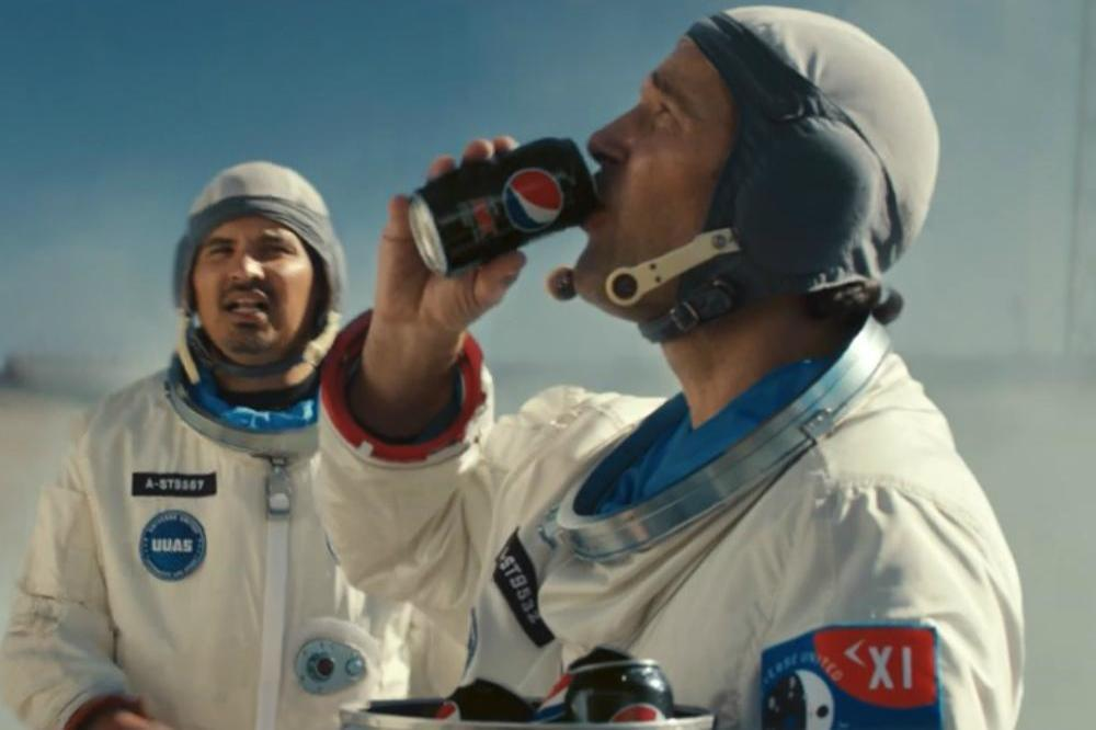 Paul Rudd and Michael Pena in the Pepsi MAX ad