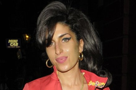Amy Winehouse to perform new songs in Brazil