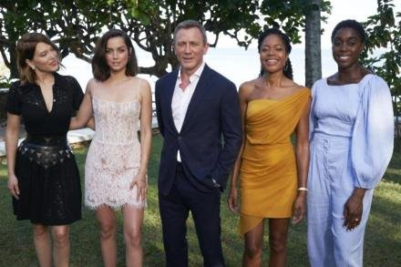 Naomie Harris with fellow No Time to Die cast