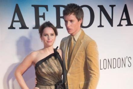 Eddie Redmayne and Felicity Jones