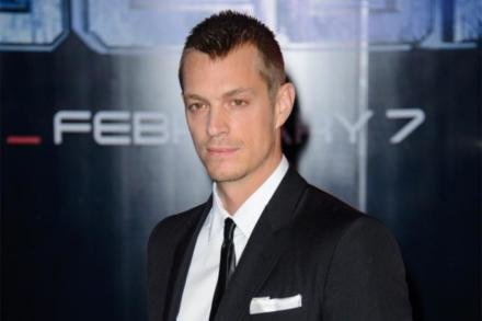 Joel Kinnaman at Robocop world premiere