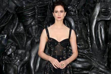 Katherine Waterston at Alien: Covenant premiere