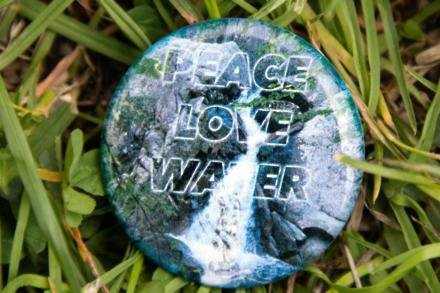 Ringo Starr's WaterAid badge
