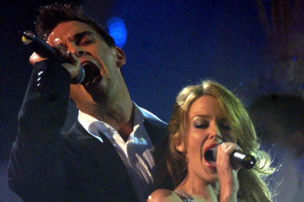 Robbie Williams and Kylie Minogue in 2000