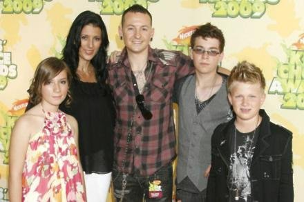 Talinda Bennington with Chester and their children