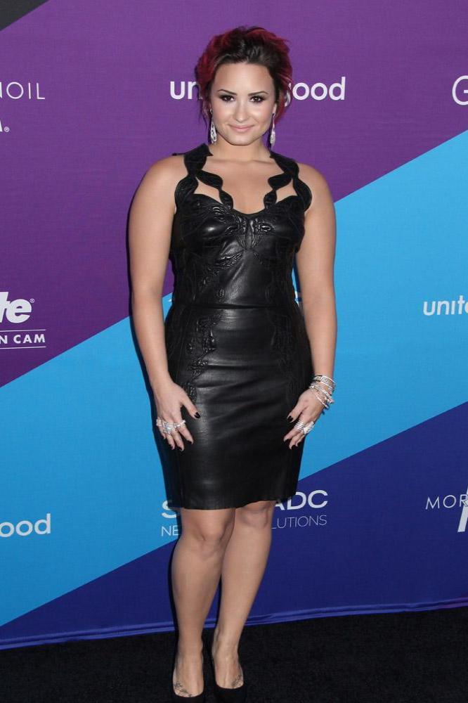Nude demi pics lovato Demi Lovato