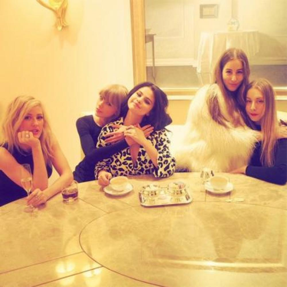 Taylor Swift with Selena Gomez, Ellie Goulding and Haim