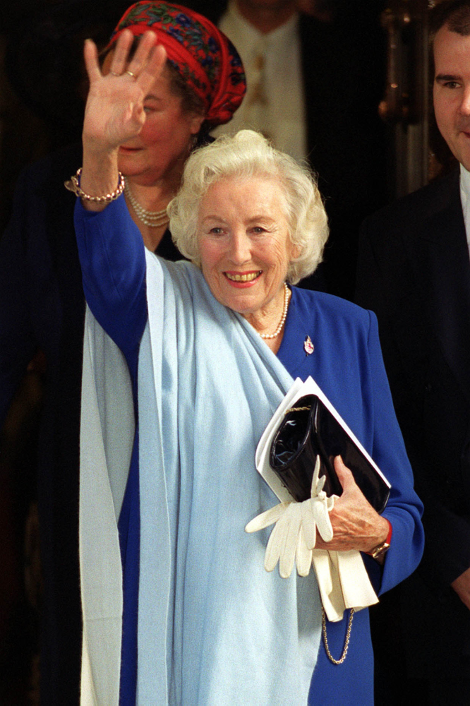 Dame Vera Lynn's daughter 'astonished' to hear about statue campaign